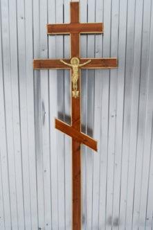 Крест деревянный с резьбой из сосны К8