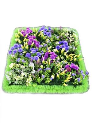 Полянка с пластиковыми цветами - Фото 1 | Компания «Венок»