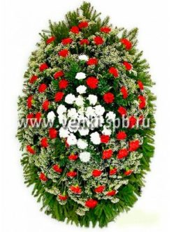 Ритуальный венок из живых цветов № 7