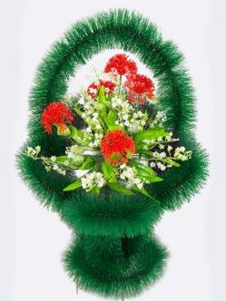"""Ритуальная корзина из искусственных цветов """"ажурная с тюльпанами"""""""
