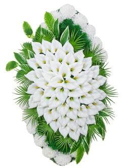 Большой траурный венок из искусственных цветов Белые каллы