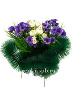 Искусственные цветы на кладбище