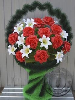 """Ритуальная корзина из искусственных цветов """"Венера """""""
