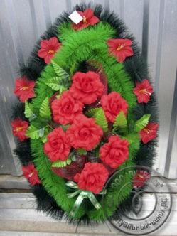 Венок из искусственных цветов кармен