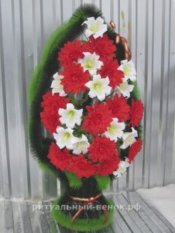 """Ритуальная корзина из искусственных цветов """"Свеча"""""""