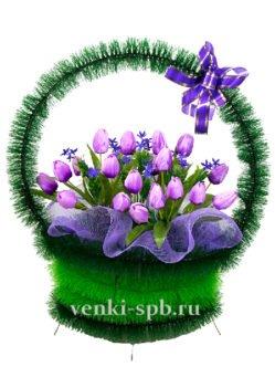 Ритуальная корзина с тюльпанами