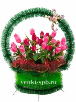 Траурная корзина с тюльпанами