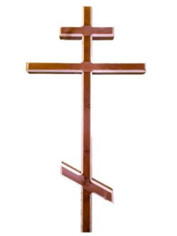 Крест на кладбище сосна