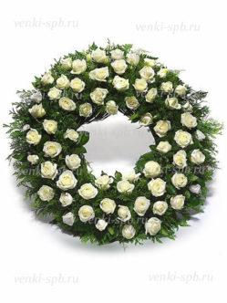 Венок на похороны из живых цветов