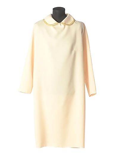 Платье для погребения простое бежевое - Фото 1 | Компания «Венок»