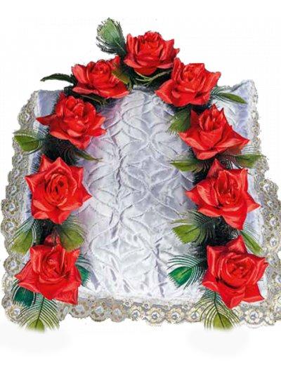 Гирлянда в изголовье с розами - Фото 1 | Компания «Венок»