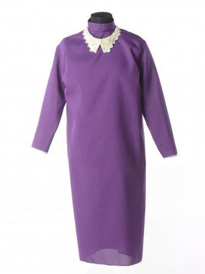 Платье для погребения с жемчужным воротником — черничное - Фото 1 | Компания «Венок»