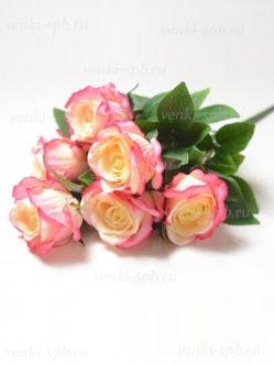 Букет розовых бутонов роз Келсо