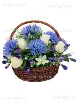 Корзина на похороны из лозы с хризантемой и розами купить в Спб