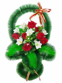 Корзина на кладбище Лилия с бархатными розами