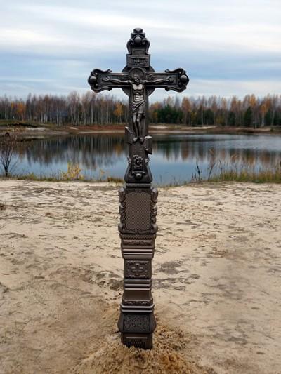 Крест из литого камня с орнаментом - Фото 3 | Компания «Венок»