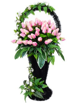 Большая ритуальная корзина с тюльпанами купить в спб