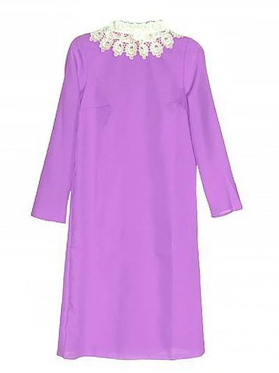 Платье с брошью (габардин + кружево) сиреневое - Фото 1 | Компания «Венок»
